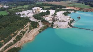 Luftaufnahme Quarzwerk Baggersee
